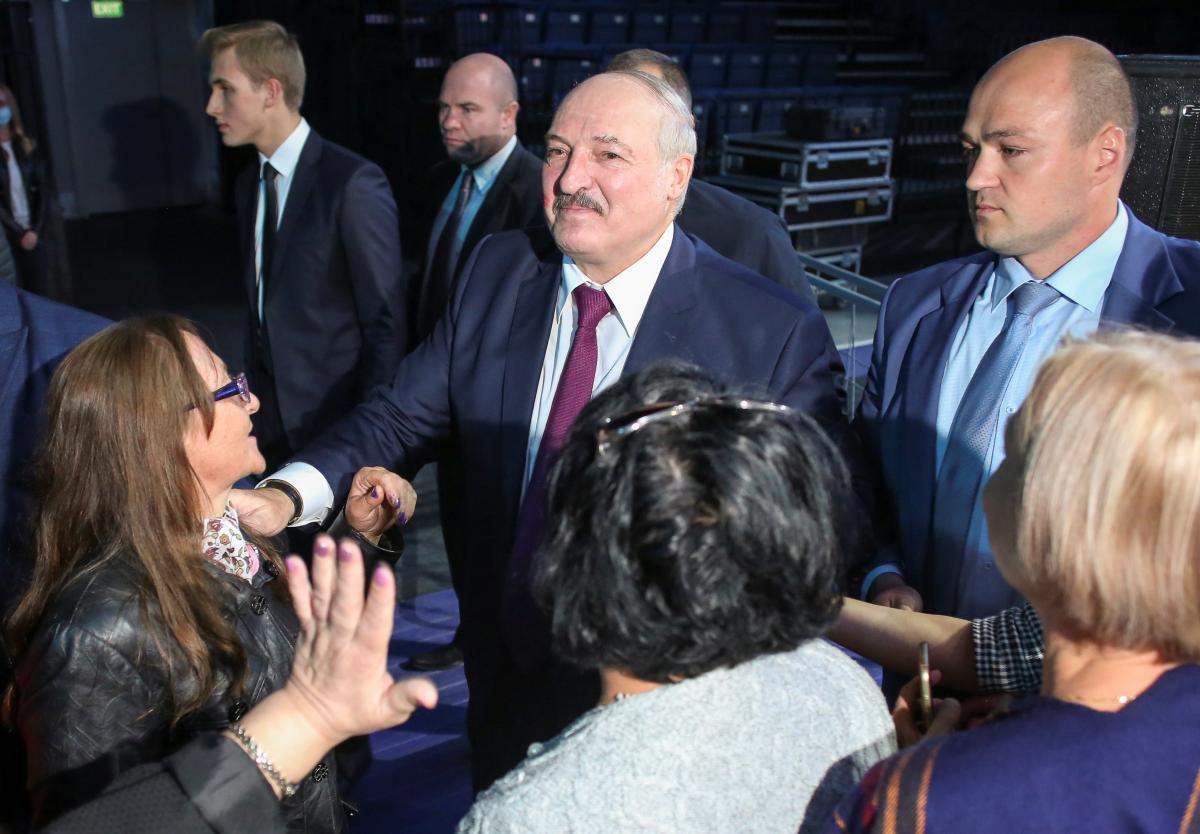 Появились признаки того, что Лукашенко теряет контроль над спецслужбами / REUTERS