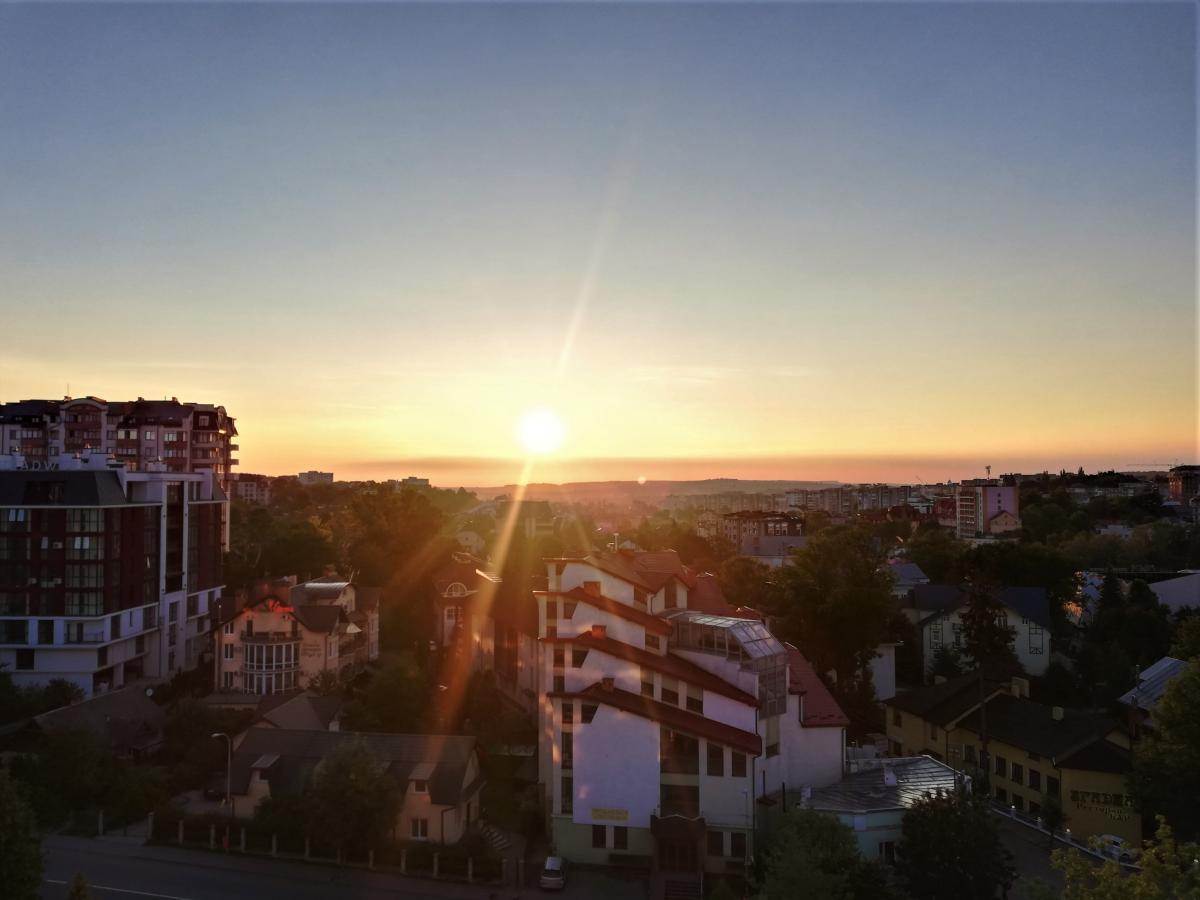 "Вид на Трускавец из окна отеля ""365"" / фото Марина Григоренко"