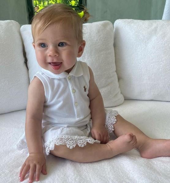 Младшей дочери Курниковой и Иглесиаса скоро исполнится 8 месяцев / фото Анна Курникова, Instagram