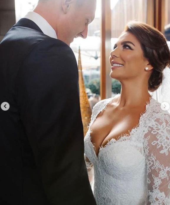 Яніс Тімма зробив пропозицію Ганні Седокової в липні на яхті \ instagram.com/weddingbymercury/