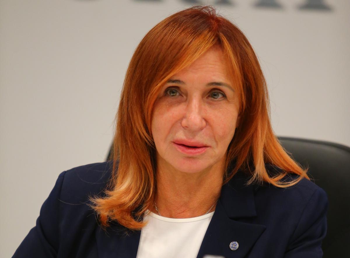 Изовитова отметила, что адвокаты сталкиваются с открытыми проявлениями дискриминации со стороны судей