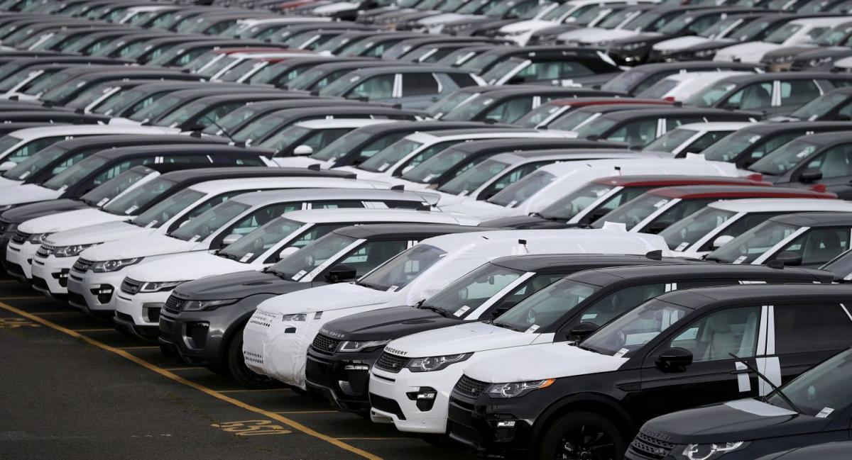 Податок потрібно платити за авто, які відповідають певним вимогам / Ілюстрація REUTERS