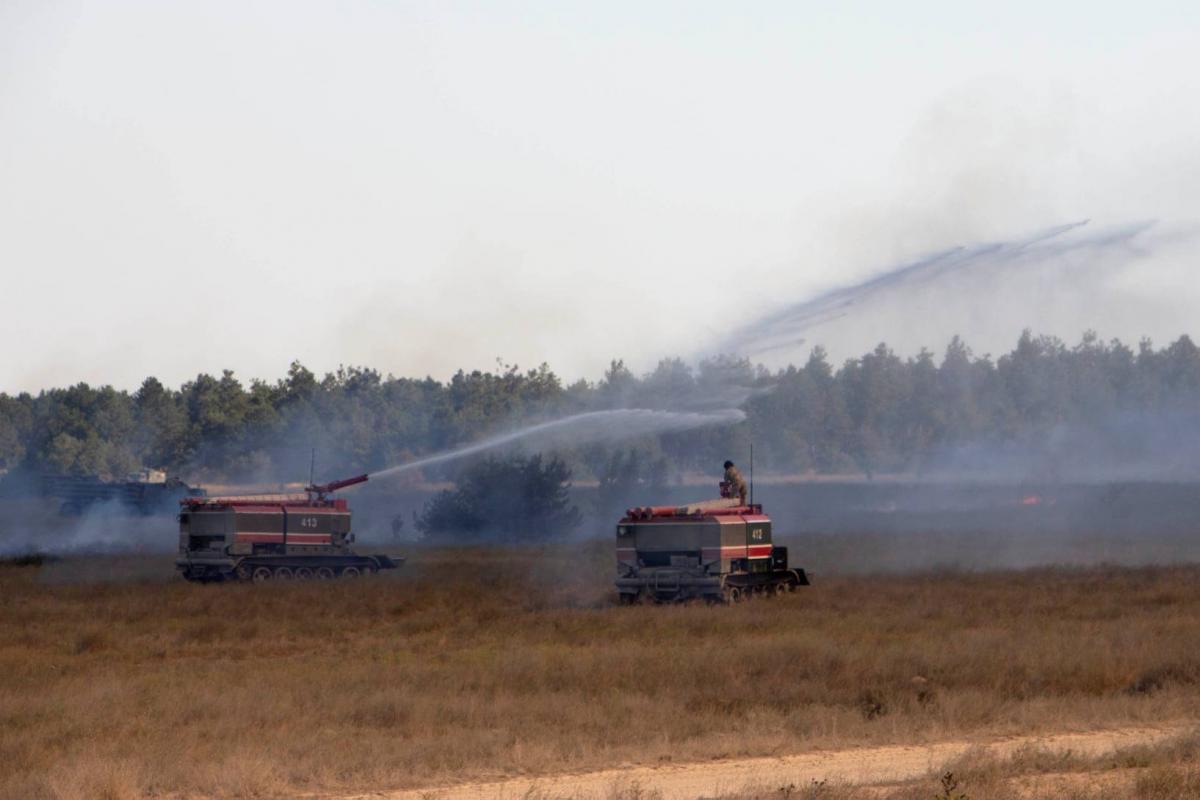 На военном полигоне загорелась сухая трава / фото facebook.com/GeneralStaff.ua