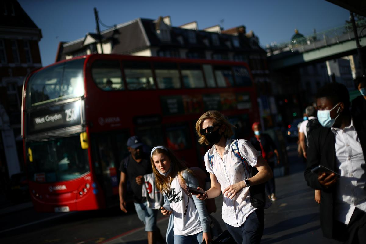 """Британців закликають побоюватися """"індійського"""" штаму COVID-19 / фото REUTERS"""