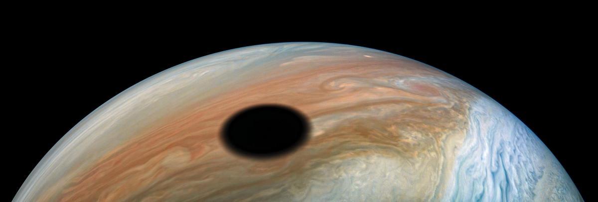 Солнечное затмение на Юпитере / фото NASA/JPL-Caltech/SwRI/MSSS/Kevin M. Gill