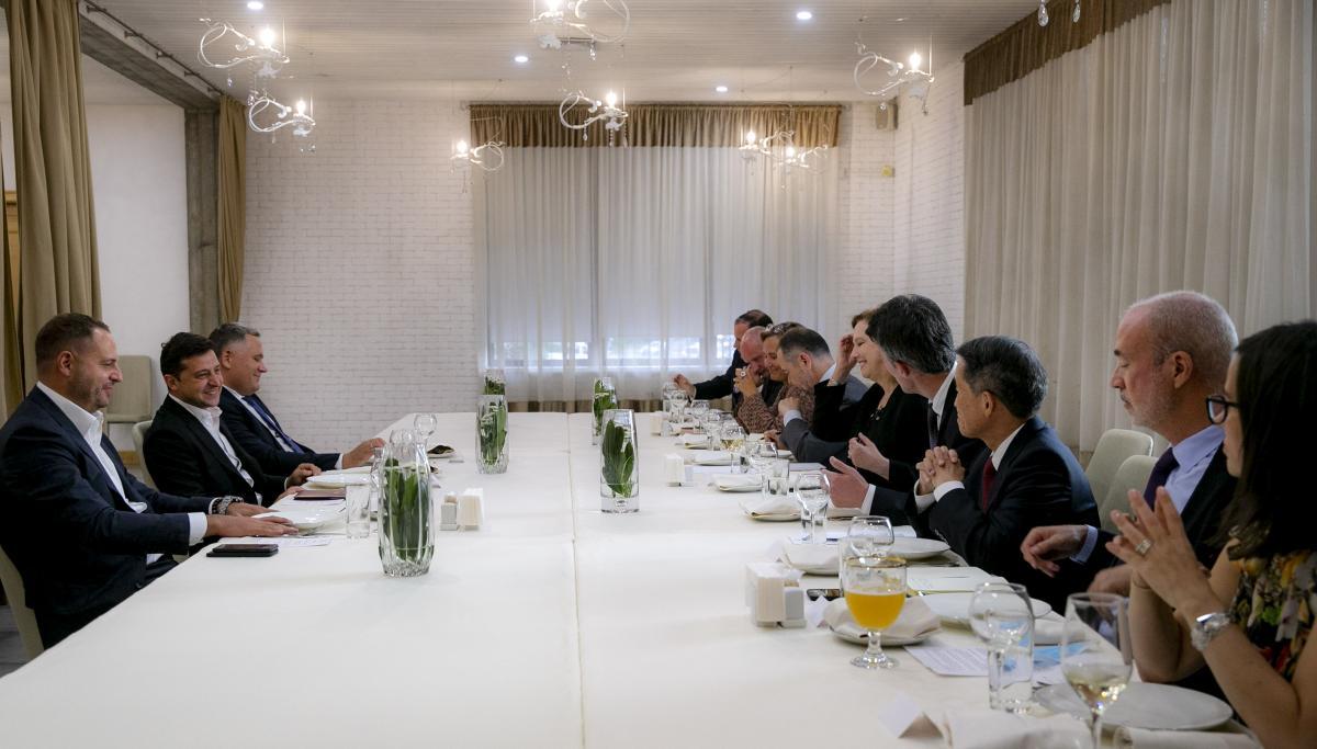 Володимир Зеленський зустрівся з послами країн G7 та Євросоюзу / фото president.gov.ua