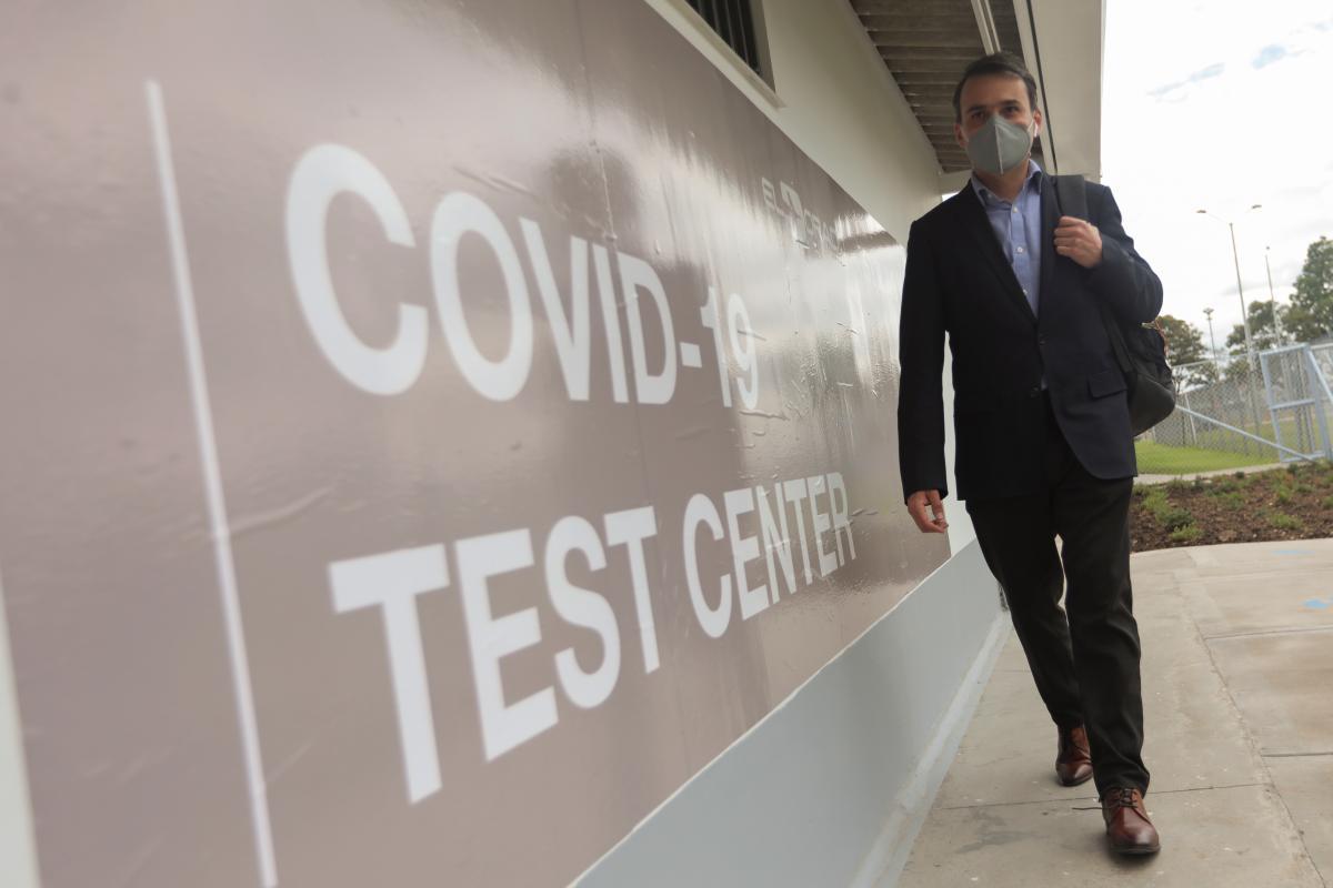 Разработан быстрый метод тестирования COVID-19 / фото REUTERS
