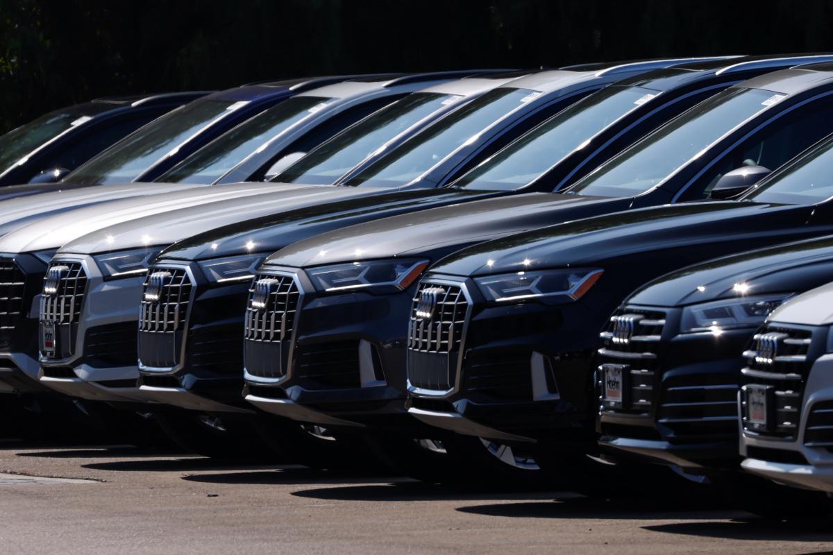 Калифорния запретит продажу бензиновых авто / фото REUTERS