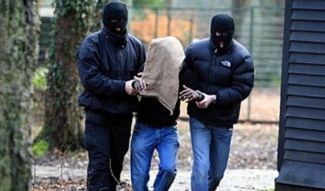 Його спільник перебуває в розшуку/фото Київська міська прокуратура