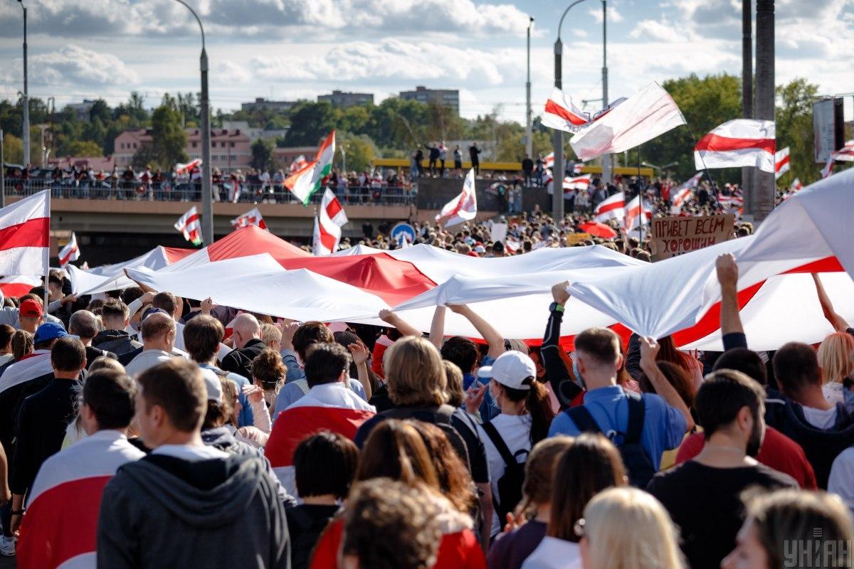 Захід повинен підтримати протести в Білорусі так, щоб Лукашенко не міг назвати це втручанням/ фото УНІАН
