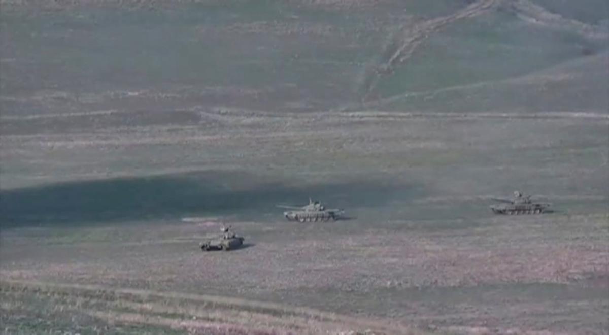 27 сентября Армения и Азербайджан начали боевые действия в районе Нагорного Карабаха / фото REUTERS