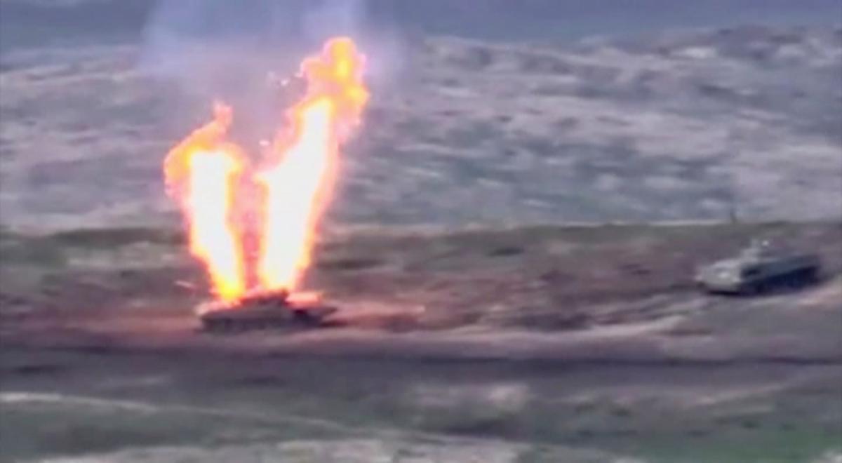 Активные бои в Нагорном Карабахе возобновились 27 сентября / REUTERS
