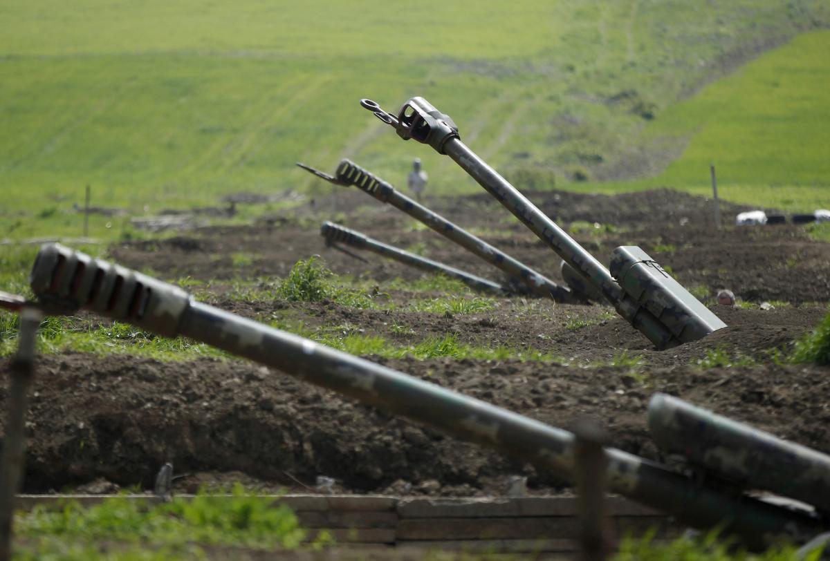 Вторжение России может начаться после того, как армия Азербайджана отрежет Нагорный Карабах от Армении / REUTERS