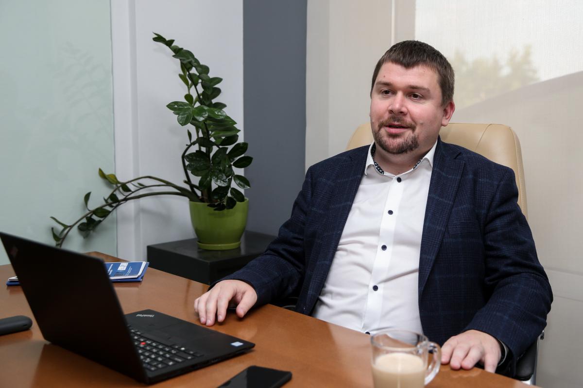 """Артем Ковалев: """"Между первым и вторым чтением мы существенно поработали. Закон сбалансирован и взвешен"""" / фото УНИАН"""