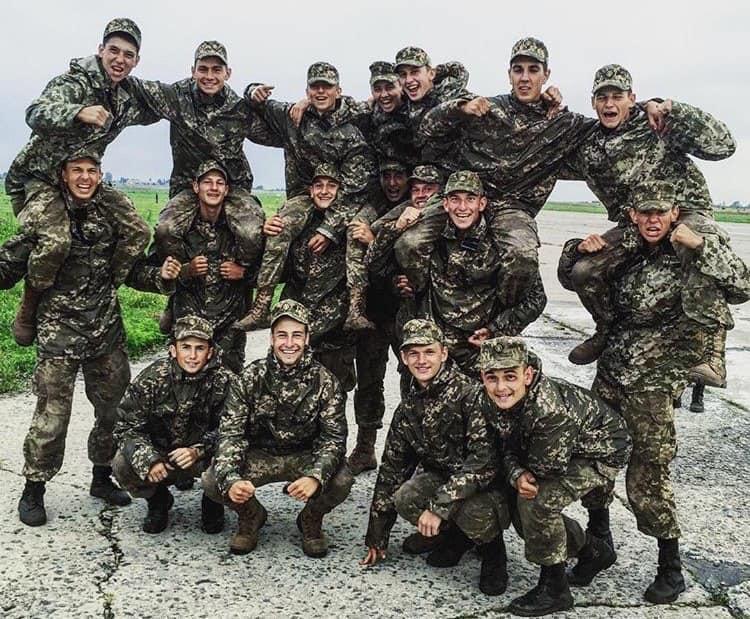 Курсанти, що були на борту під час авіакатастрофи / фото facebook.com/anton.gerashchenko.7