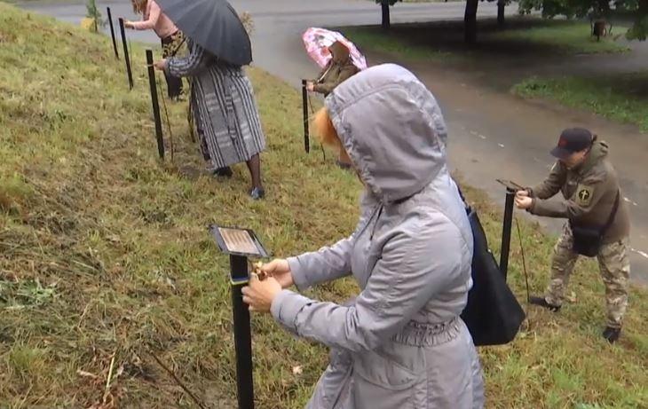 Во Львове высадили 16 яблонь в память о женщинах, которые умерли на фронте / Фото скриншот