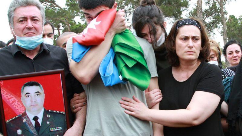В результате очередного военного конфликта в Нагорном Карабахе погибли 12 мирных жителей Азербайджана / фото REUTERS
