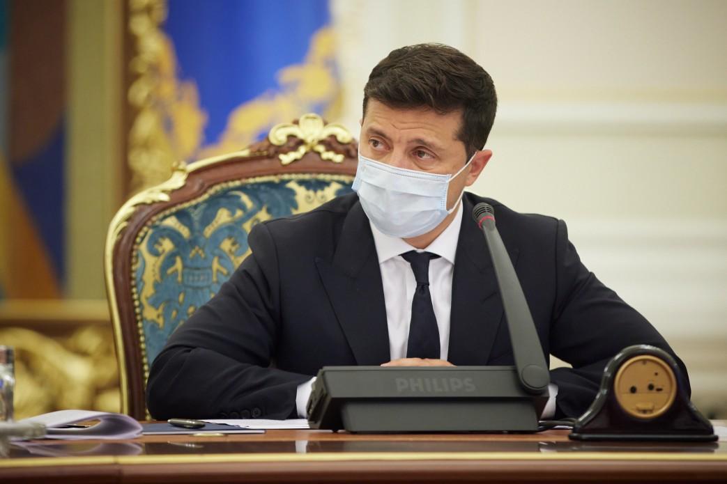 По мнению Зеленского, властям удается сдерживать рост заболеваемости COVID-19 / фото president.gov.ua