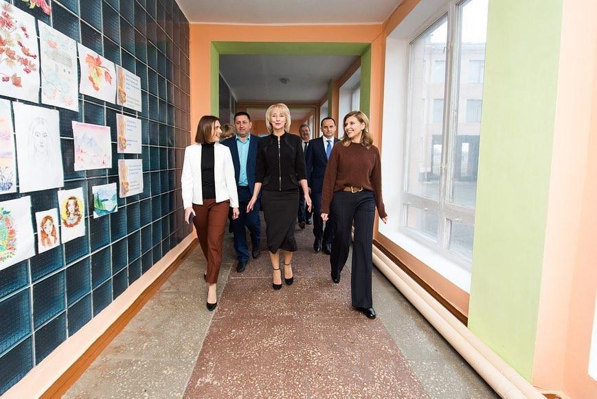 Зеленская показала модные образы / instagram.com/olenazelenska_official