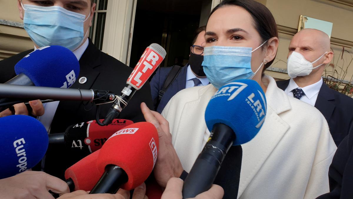 Тихановская встретилась с Макроном сегодня в Вильнюсе / Фото: REUTERS