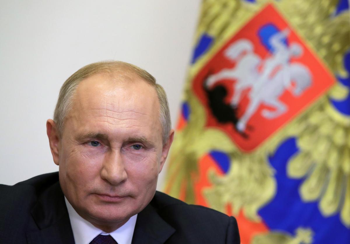 Российские военные учат творчество Путина / REUTERS