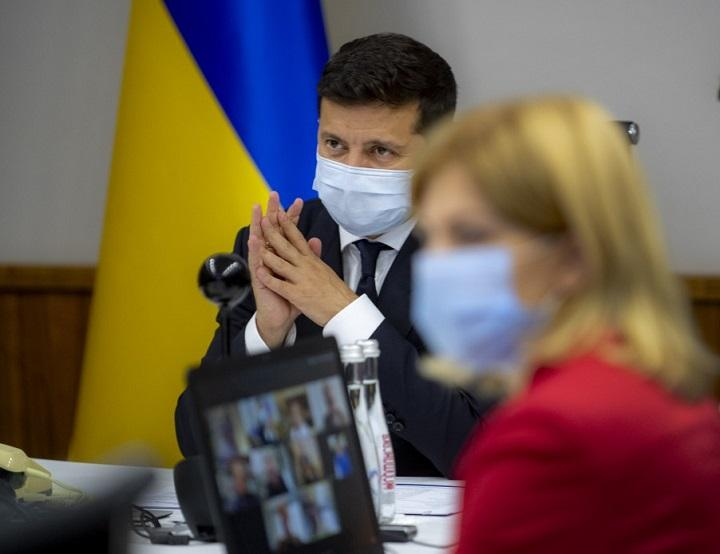 Zelensky during a video conference with MEPs / Photo from president.gov.ua