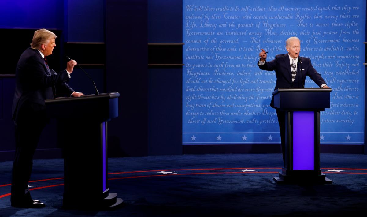 """Трамп постоянно перебивал Байдена, а демократ попросил президента США """"заткнуться"""" / фото REUTERS"""