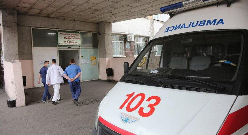 Массовое отравление в ресторанах Харькова: госпитализированных уже около 80