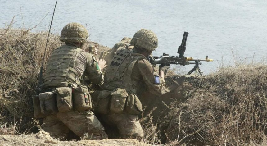 Ukrainian, British paratroopers practice assault on populated areas during Joint Effort 2020 drill