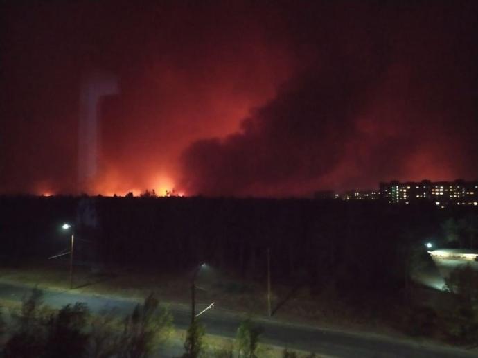 Пожежіперекидаються на міста та села/ фото з соцмереж
