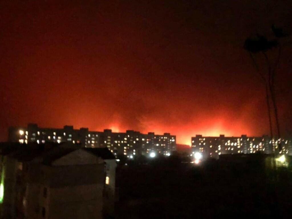 Вогонь оточив Сєвєродонецьк/ фото з соцмереж