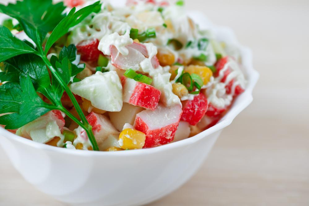 Крабовый салат рецепты / фото ua.depositphotos.com