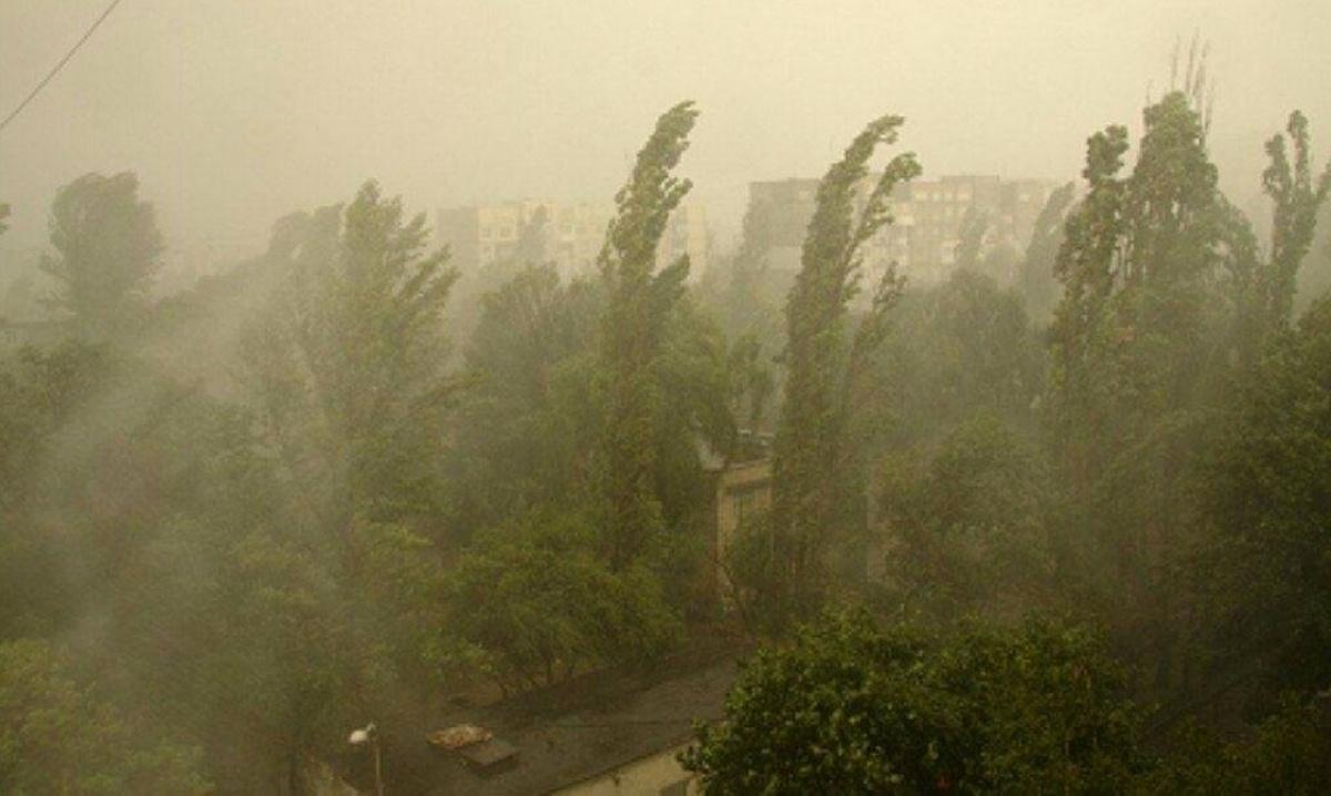 Буквально кілька тижнів тому нас накрила пилова буря, яку принесло з Астрахані, прикаспійського регіону Росії / фото Соцмережі