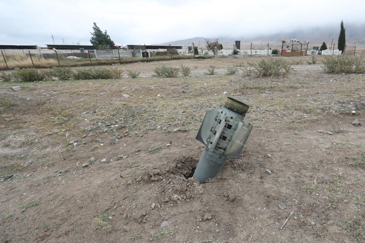 В зоне карабахского конфликта пострадали журналисты/ Иллюстрация REUTERS