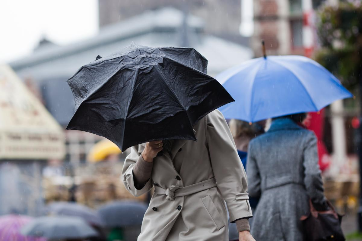 Незважаючи на дощ, у столиці буде по-осінньому тепло / Фото ua.depositphotos.com