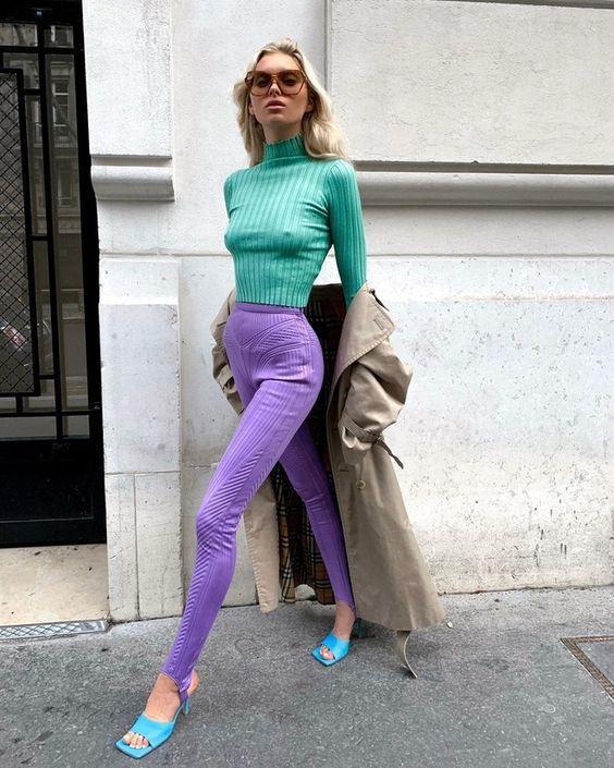 Водолазка підкреслює форми / фото Elle
