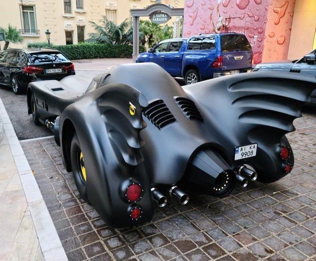 Бэтмобиль в Монако был с украинскими номерами / фото ТопЖыр