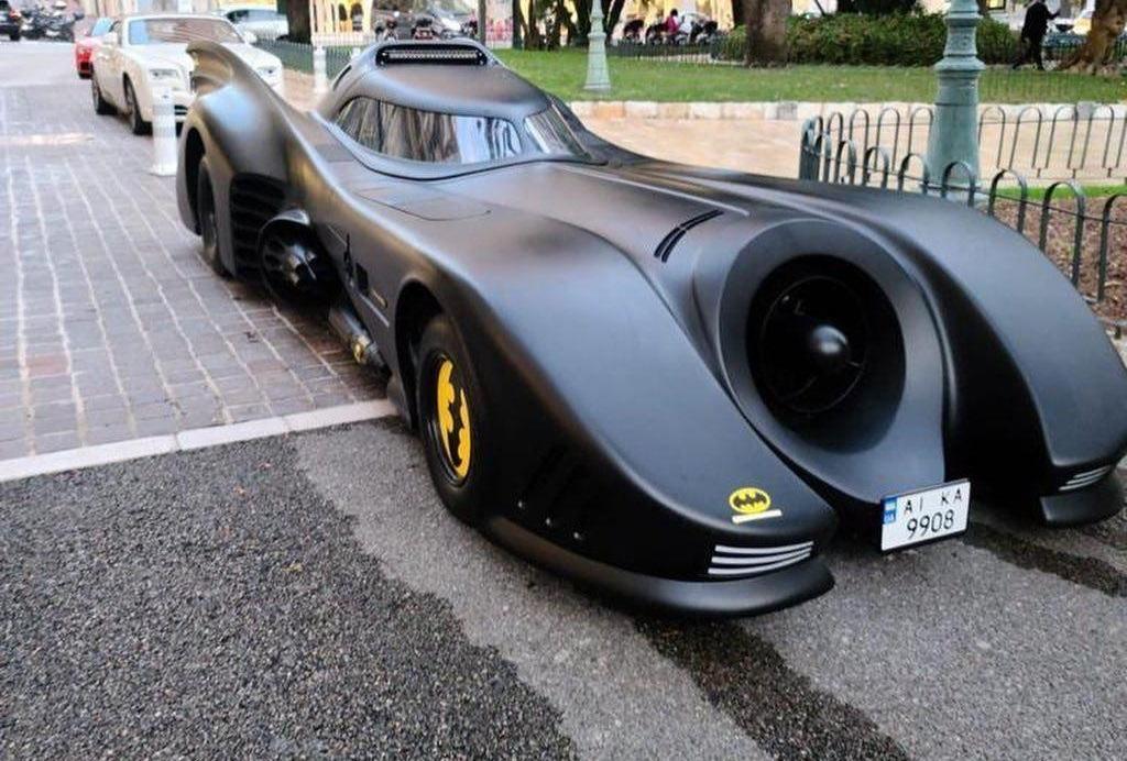 Уникальный бэтмобиль засняли в Монако / фото ТопЖыр