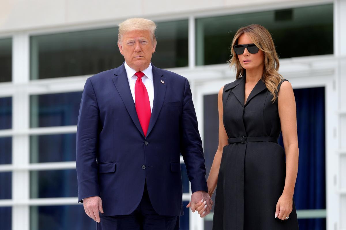Дональд и Мелания Трамп заразились COVID-19 / фото REUTERS