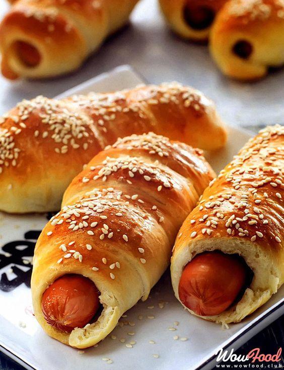 Сосиски в тісті рецепт / фото pinterest.com