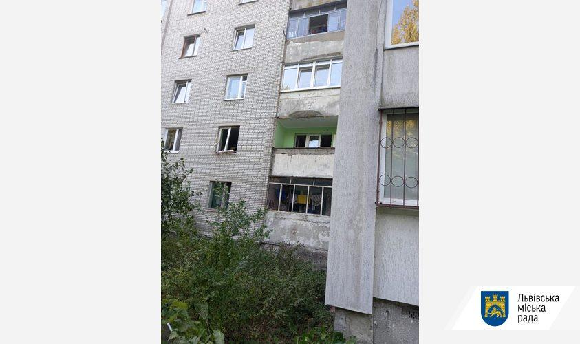Трещин после взрыва у не обнаружено / фото city-adm.lviv.ua