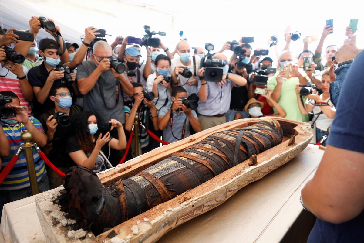 В некрополе Саккары обнаружили уже 59 саркофагов / фото REUTERS