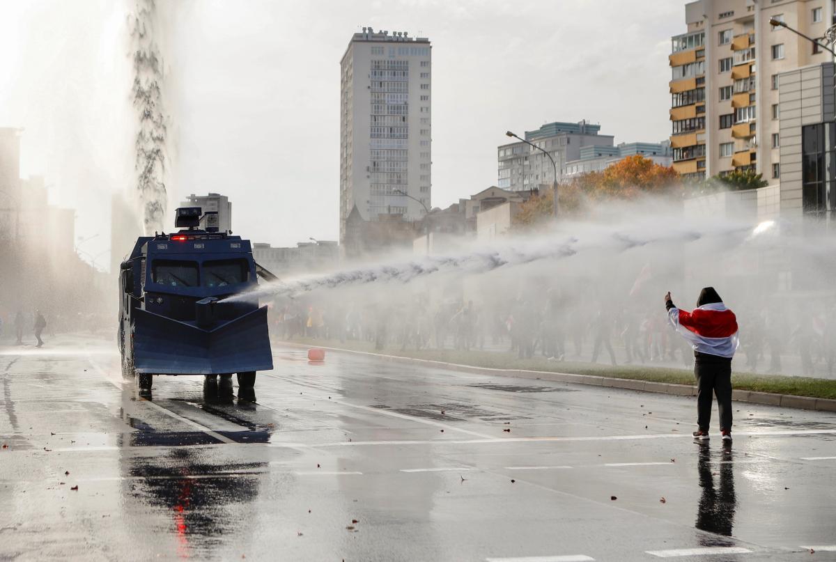 В Минске начались столкновения \ фото REUTERS