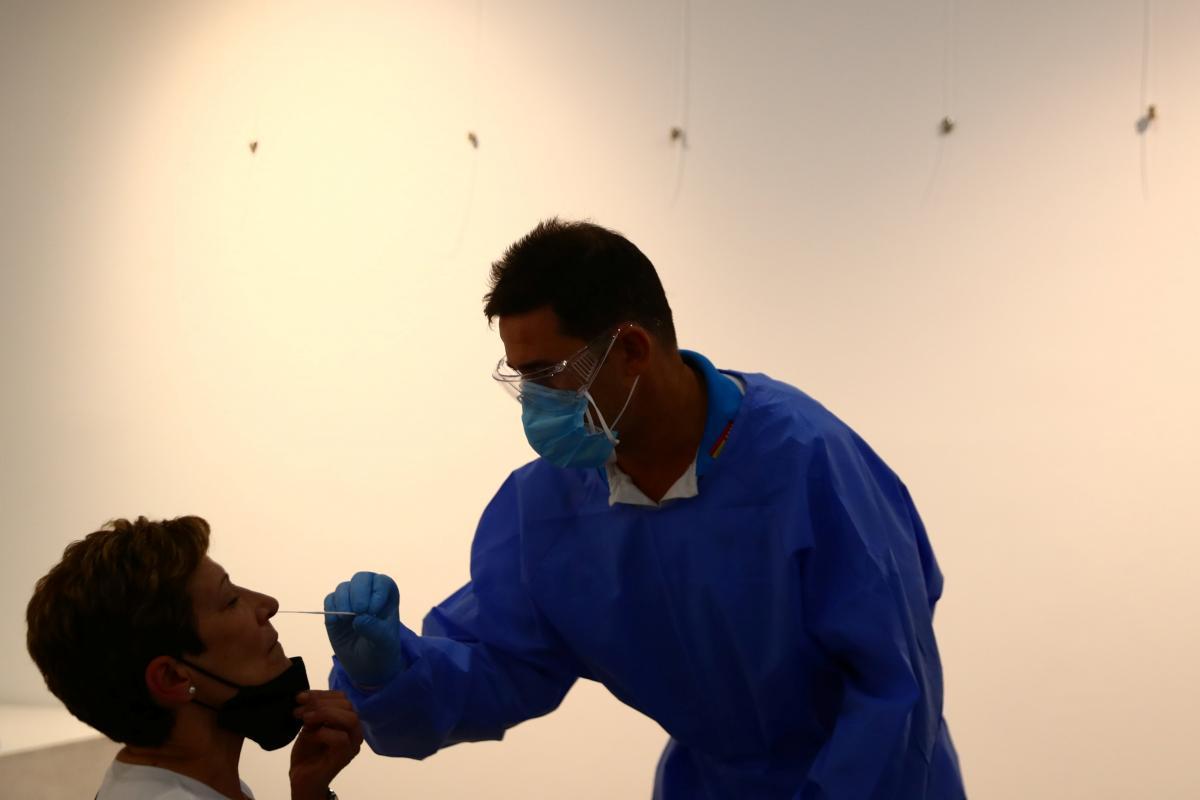 В Мадриде проведут массовое тестирование на коронавирус / фото REUTERS