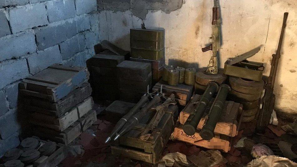 СБУ нашли тайник боевиков / Фото СБУ