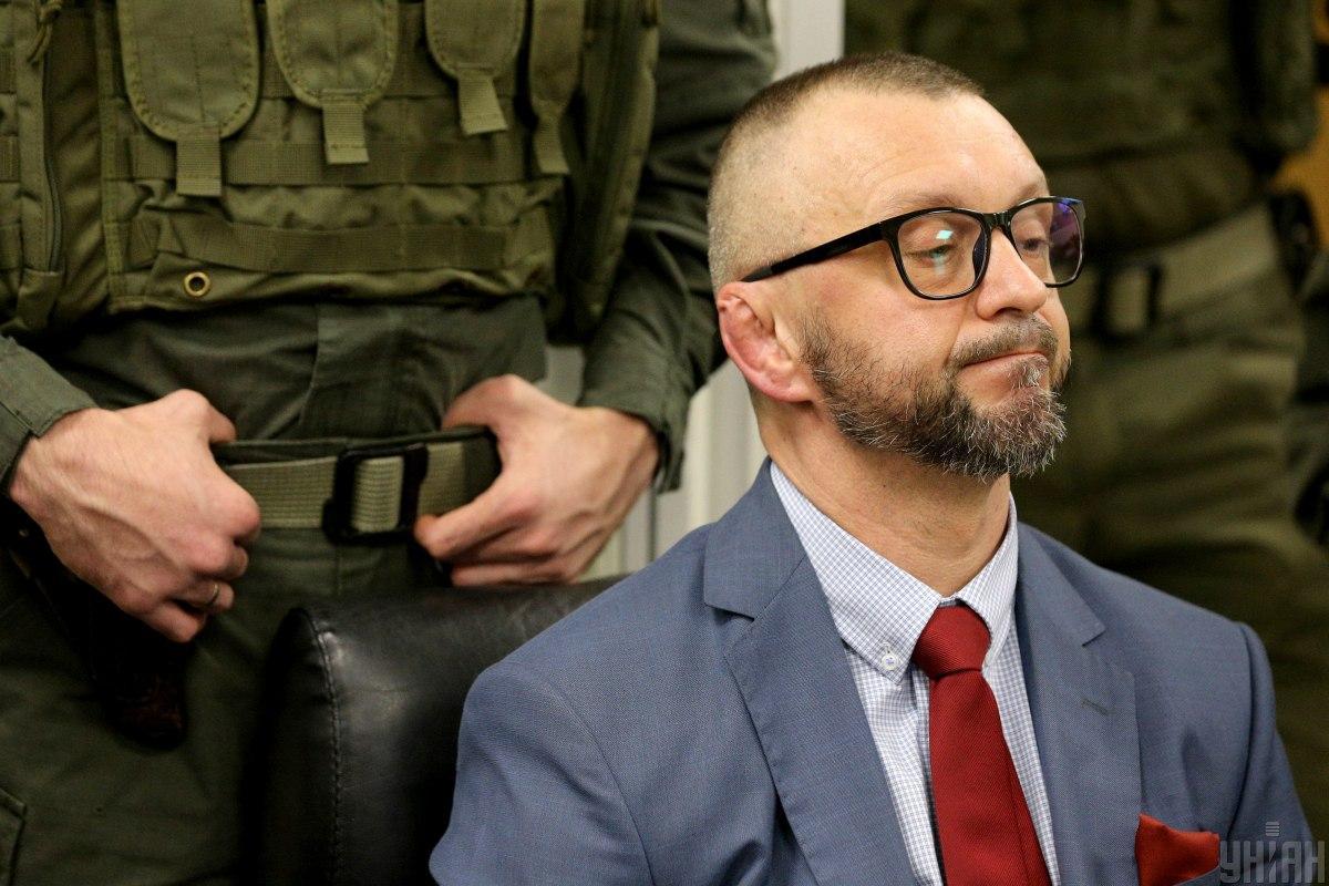 Активисты напомнили, что ходатайства защитников Антоненко, поданные в судеще в сентябре, не рассмотрены до сих пор / фото УНИАН, Виктор Ковальчук