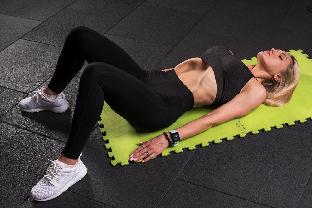 Упражнение вакуум для талии / фото ua.depositphotos.com