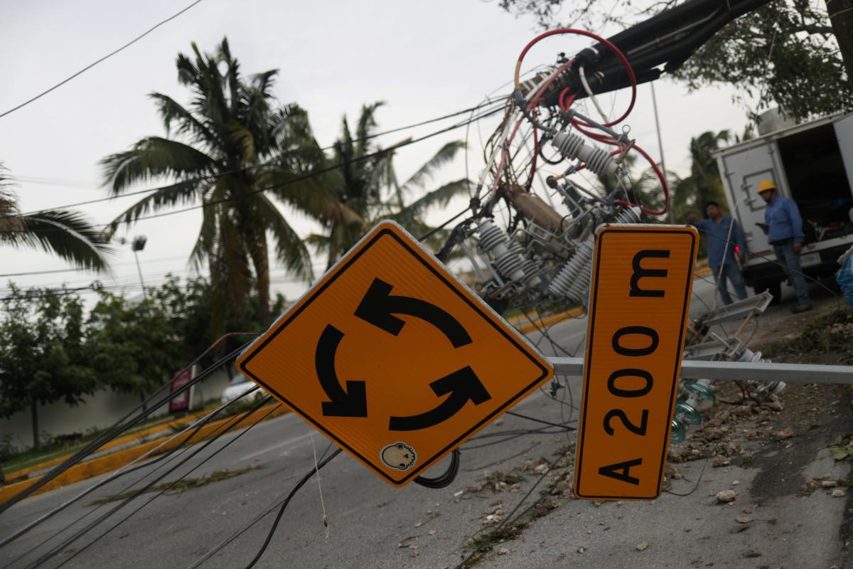 Особливо вразливими до стихійних лих залишаються країни, що розвиваються / REUTERS