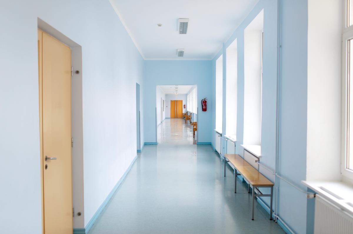 Запрет посещать школы без прививки - омбудсмен посоветовал изменить форму обучения таким детям / фото ua.depositphotos.com