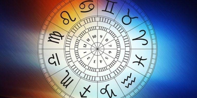 Астролог назвал счастливчиков октября / фото slovofraza.com